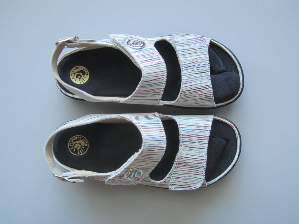 Chaussures d'été avec semelles moulées sur-mesure